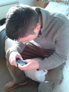 ¡Siempre estamos con el móvil!